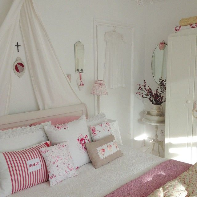 Shabby And Charme: A Casa Di Debbie Nellu0027Essex. Minimalist BedroomShabby  Chic DecorCountry ...