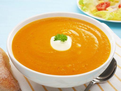 poivre, bouillon de volaille, oignon, huile d'olive, curry, eau, ail, sel, carotte, céleri