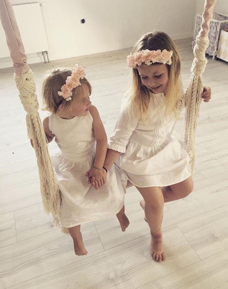 Varför inte gunga tillsammans ? Syskonkärlek 💗    *    *   *    *    *    *   www.babylove.se    #barnrum #kidsroom #barnrumsinredning #kidsdecor ⠀ #finabarnsaker #kidsinterior #kidsdesign #kidsperation #barneroom #inspirationforpojkar #kidsinspo #kidsdeco⠀ #nordickidsliving #kidsperation #myroom #barn #exklusiv #baby #inspirationforflickor #barnruminspo #barnrumsdetaljer #barnrumsinspiration #finahem #finabarnsaker #barnerum #mittbarnerom