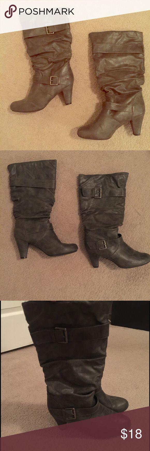 Dark gray boot