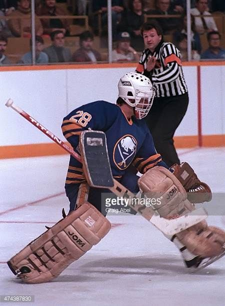 bob-sauve-of-the-buffalo-sabres-stops-a-shot-against-the-toronto-at-picture-id474387830 (450×612)