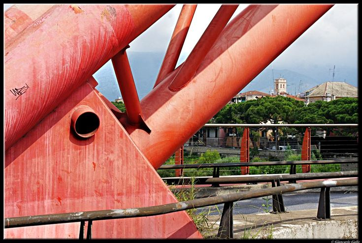 structure of the red bridge by Giancarlo Gallo