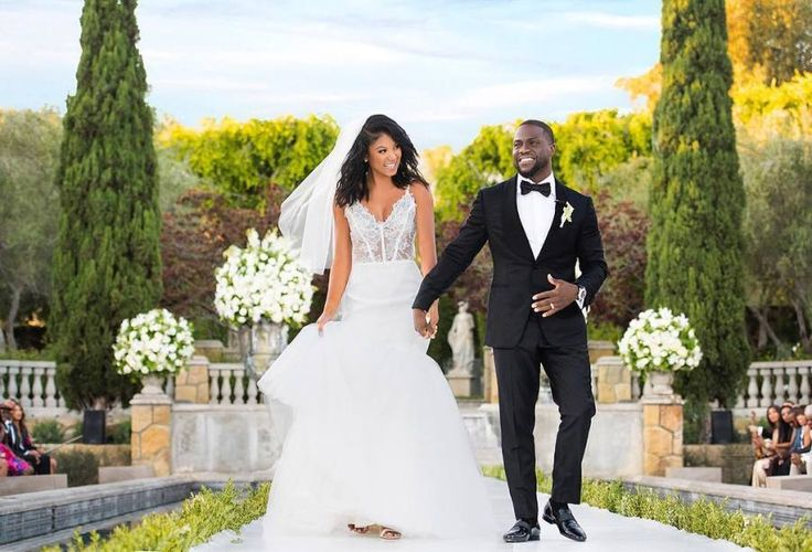 Kevin Hart and Eniko Parrish wedding! http://www.stylemepretty.com/2016/12/15/best-biggest-celebrity-weddings-2016/