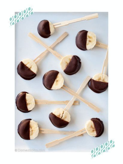 piruletas de platano y chocolate