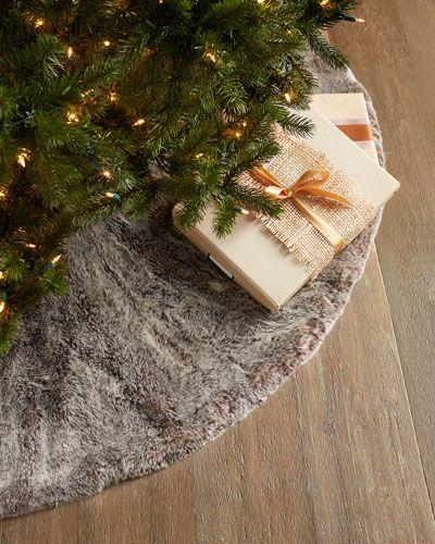 H7W7D Faux-Fur Christmas Tree Skirt
