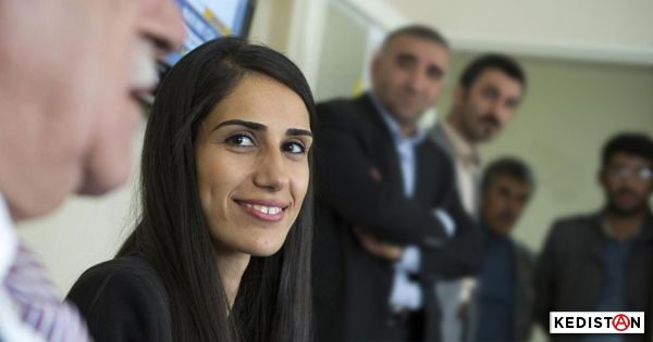 Arrestation de Februniye Akyol, seule maire syriaque du DBP #Turquie #Mardin