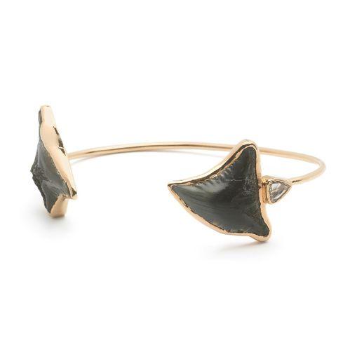 Bracelet Fossil Shark Tooth de Sara Beltran