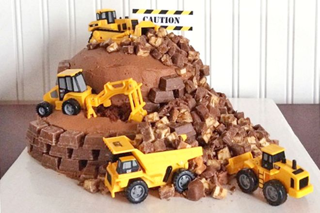 Huge digger cake for a brilliant birthday