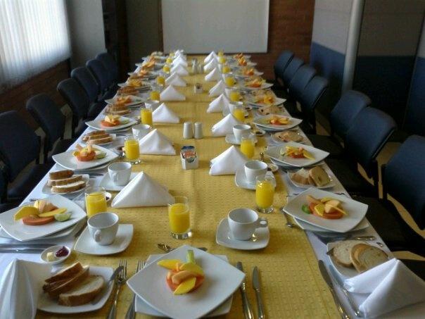 un desayuno empresarial