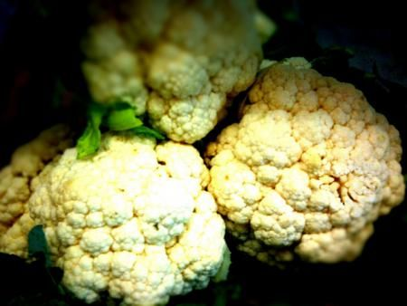 Cauliflower Allergy Symptoms and Diagnosis  The food you eat may not be good for other person. I enjoy eating beef, so does my family. But my father avoids it, because it triggers allergic reaction.  http://allergy-symptoms.org/cauliflower-allergy/