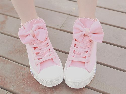 super cute pastel pink shoes with bows