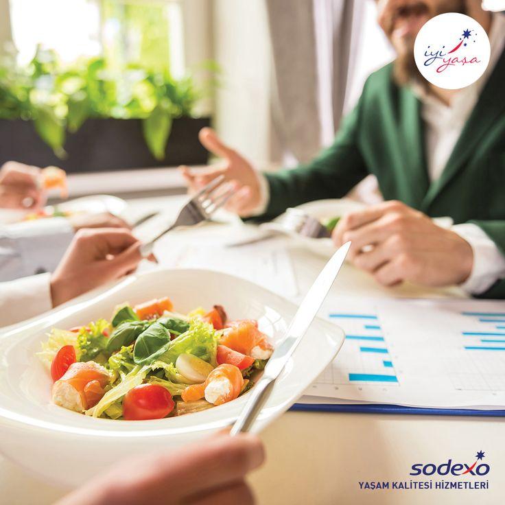 İş toplantıları için çıkılan akşam yemekleri, sağlığınıza nasıl zararlar verebilir?  Bültenin tamamı için tıklayın.