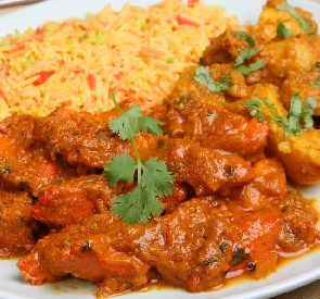 Chicken Vindaloo recipe - This famous Indian recipe has a long list of ingredients but is not hard to make. All those spices blend in a heavenly flavor that makes this dish great.