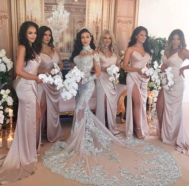 Bride: @naturallyfake  Gown: @leahdagloria Bridesmaids: @dollhouse_xoxo @dollhousebridesmaids Bridesmaids hair: @natasa_manojlovic_hair  Photography: @emiliobphotography  Cinema: @nyc_films  Styling: @jimketevents  Florals: @blingevents  Venue: @lemontage_navarravenues ••••••••••••••••••••••••••••••••••••••••••••••••••••••••