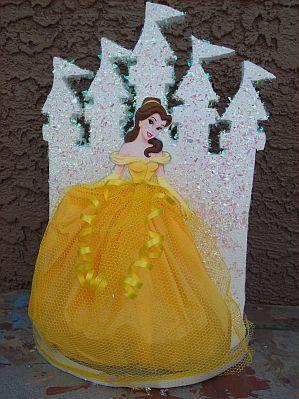decoraciones para quinceanera de bella y la bestia   ... los personajes de la película y en el segundo, la Bella y la Bestia