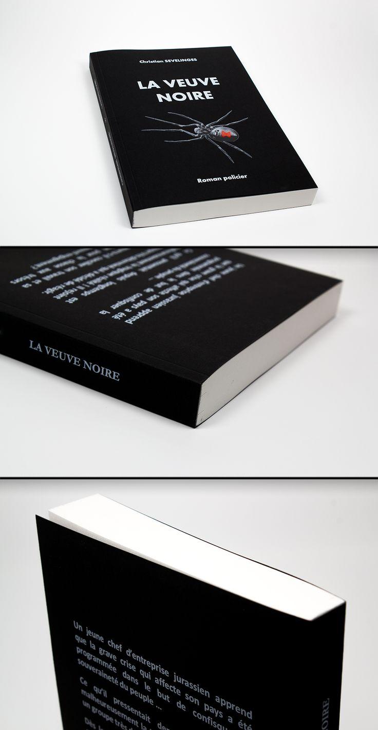 Livre Dos Carré Collé en 14.8x21cm / Couverture quadri + encre blanche de soutien sur Sirio Color Nero (Noir) 290gr / Intérieur noir et blanc recto/verso sur Bouffant Blanc 80gr #cover #encreblanche #whiteink