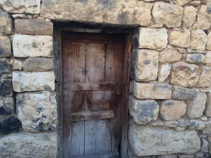 بلدة عبا جنوب لبنان Old Houses Painting Home Decor