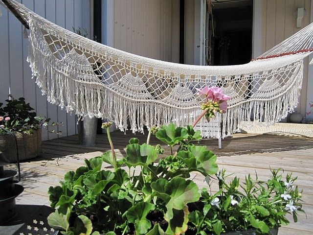 73 best victorian hammocks images on pinterest hammocks for Victorian porch swing plans