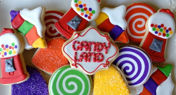 Perfect for your candy extravaganza! This listing is for one dozen candy themed sugar cookies. You can completely customize this collection.