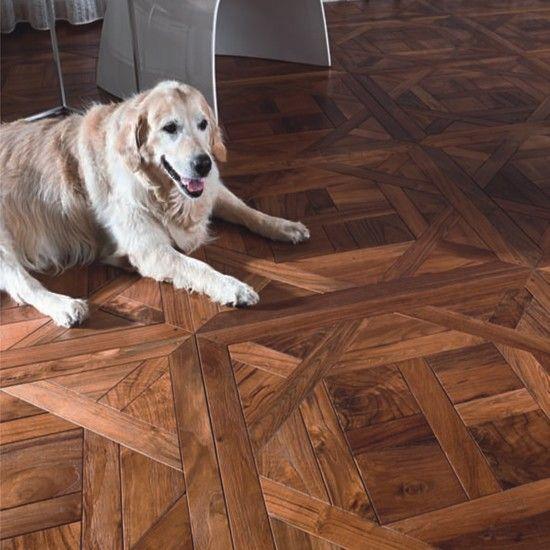 Cammina sulla storia, sul nostro pavimento in legno Alexxander in Teak antico restaurato. Disponibile in composizioni artigianali o in plance. #friulparchet