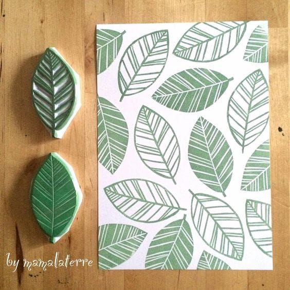 Timbri fai da te a forma di foglia intagliati nella gomma | DIY leaves stamp made with rubber • #DIY #stamp #rubber