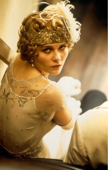 1920's flapper hair and headband<3