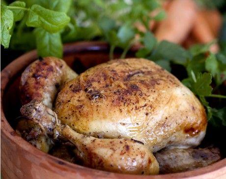 Vitlöksspäckad kyckling i lergryta