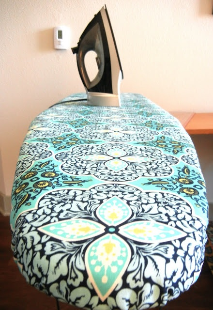 Recasing your ironing boardCovers Tutorials, Boards Covers, Ironing Boards, Boards Recover, Sweets Verbena, Diy Crafts, Iron Boards, Recover Tutorials, Sewing Machine