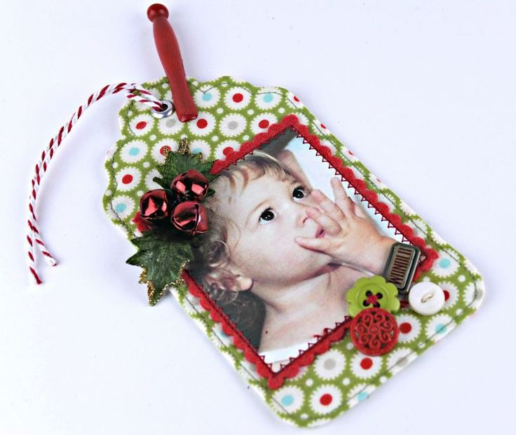 Darling fabric tags and a tute on how to turn fussy cut fabric into appliques.
