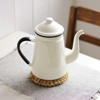 neest.fr Giraffe coffee pot