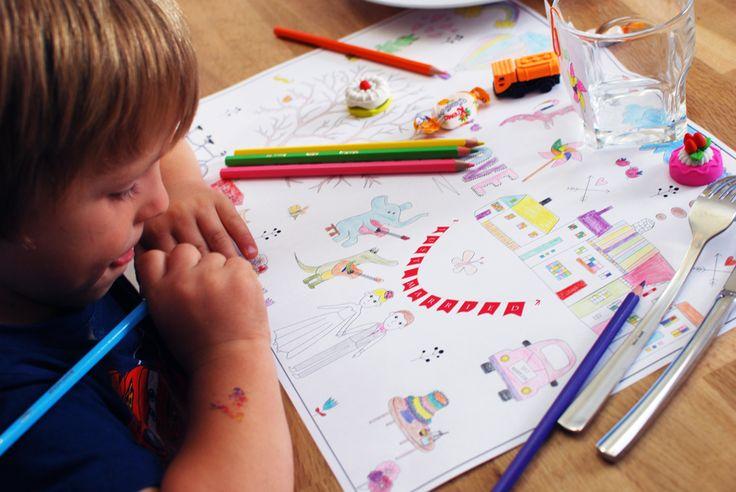 set de table à colorier pour les enfants, à télécharger gratuitement