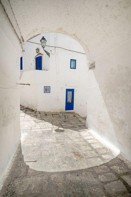 #Ostuni, #Puglia, Italy http://www.ilsudchenontiaspetti.it/