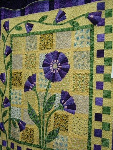 beautiful floral quilt - love the colors.