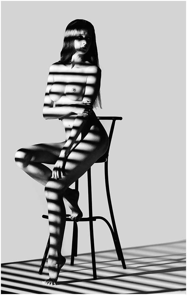 In Johnny Dick Blog: Light and shadow - Erotic photography. #photographylighting