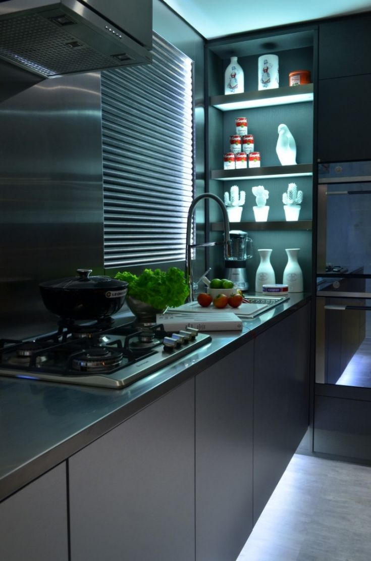 Modern kitchen Contemporary Approach to Kitchen Design: The Live In Kitchen Concept