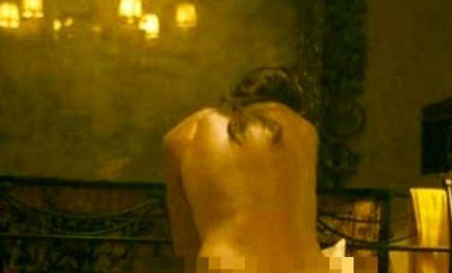 Scoperta a fare sesso con il fidanzatino della figlia di 14 anni: mamma condannata dal tribunale - http://www.sostenitori.info/scoperta-a-fare-sesso-con-il-fidanzatino-della-figlia/269220