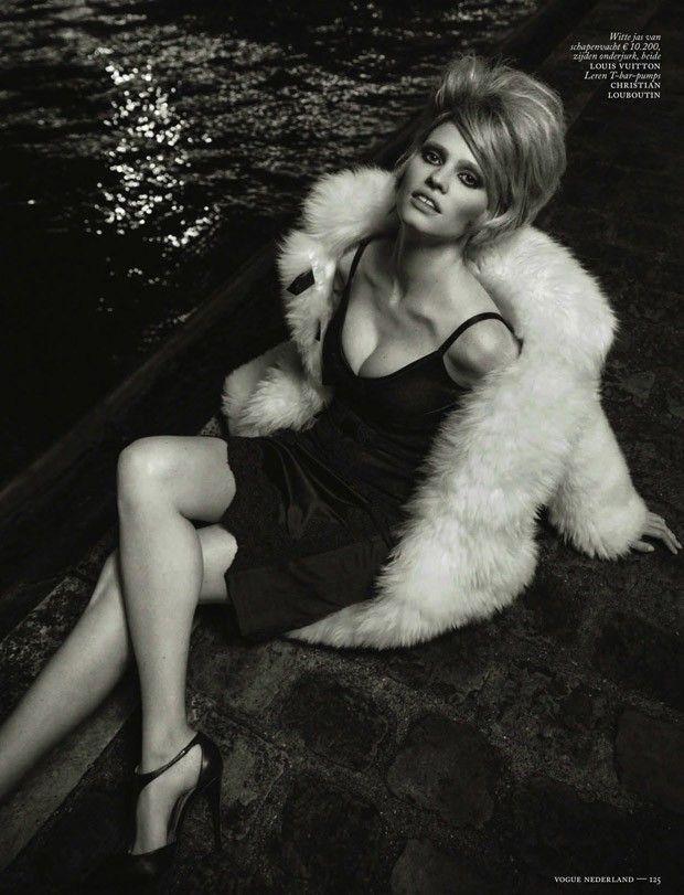 Lara Stone for Vogue Nederland December 2015 by Inez & Vinoodh