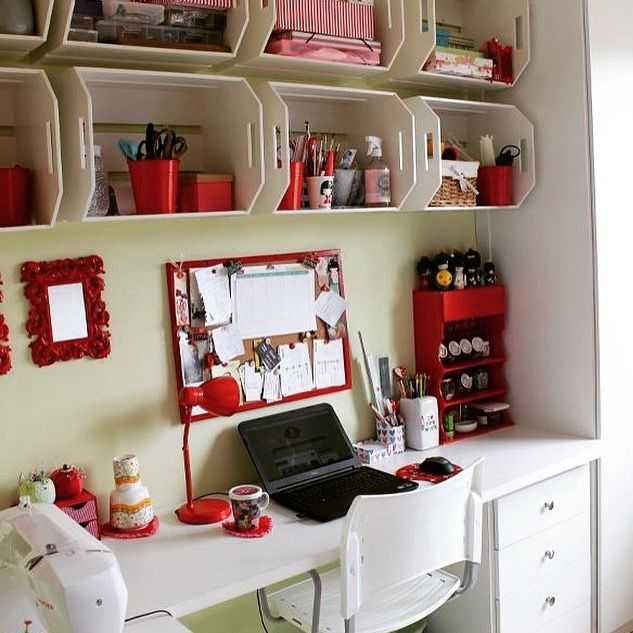 ❤️ loved the idea for use boxes in the wall to make storage in a small room. Creativity is everything