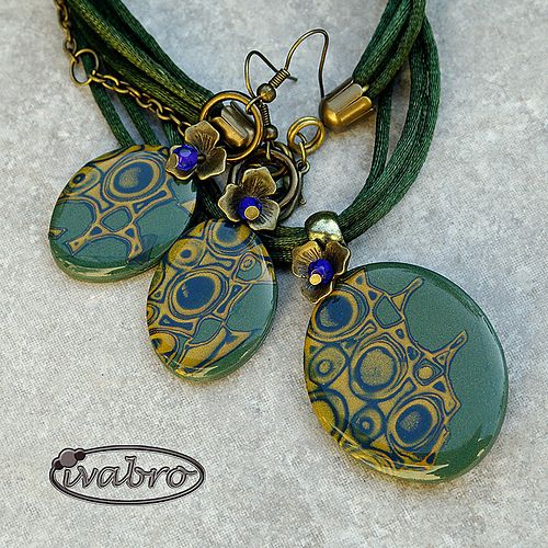 Polymer clay jewelry set: pendant and earrings by Ivabro