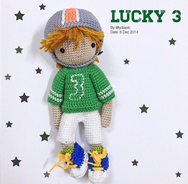 Amigurumi crochet boy baseball player doll. (Inspiration).