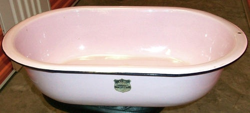 vintage pink enamelware bath wash tub baby basin sink basin sink vintage and pink. Black Bedroom Furniture Sets. Home Design Ideas