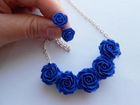 Комплект с синими розами из полимерной глины