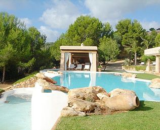 Buying a property is an act of future and acquiring properties in Ibiza and Formentera is known to be a great value.