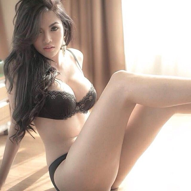 Face pics beautiful thai woman naked from