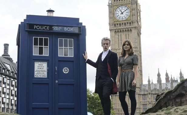 Peter Capaldi and Jenna Coleman, next to the Tardis and before Big Ben in London, 22 August 2014. Odd getting more updates and info on Dr Who in French, than from all Dr Who stuff subscribe to in English.