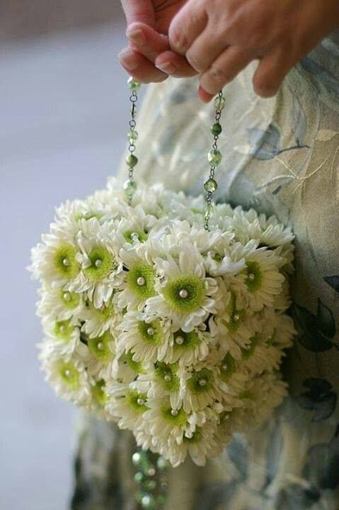 modern but vintage ..daisy square purse