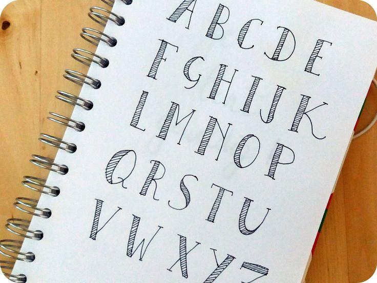 Deze week besliste ik, ik wil kalligrafie leren. Niet de kalligrafie die ik in de jaren 90 wel eens uitprobeerde (de klassieke versie, waa...