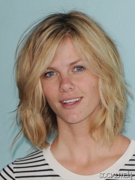 Brooklyn Decker hair bob Miami short  Great Natural look too!