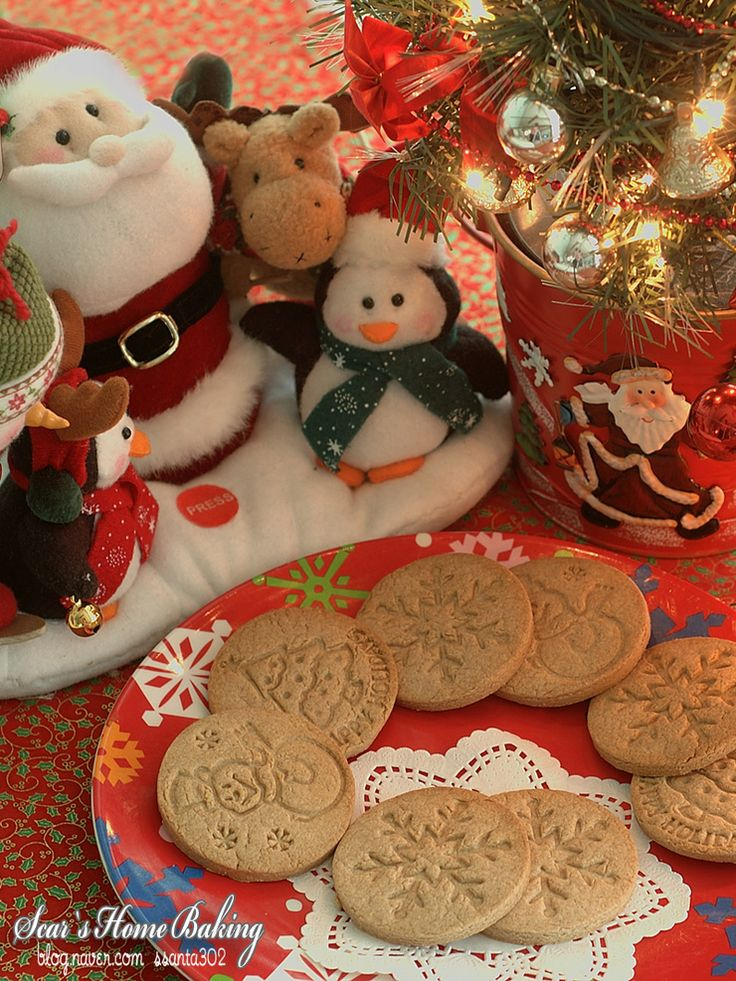 크리스마스 쿠키 스템프로 만든 통밀 쿠키~Christmas,Whole wheat cookies  크리스마스 쿠키 스템프로   간단하게 통밀쿠키를 만들어봤어요^^  레시피를 보고싶으시면 GO! http://blog.naver.com/ssanta302/20118523440  마이홈 스카의 소소한 취미공간 http://blog.naver.com/ssanta302