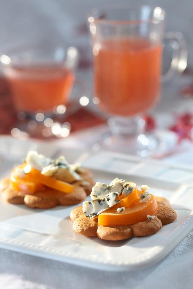 Sinihomejuusto-persimonpiparit   Muut jälkiruoat   Pirkka #food #christmas